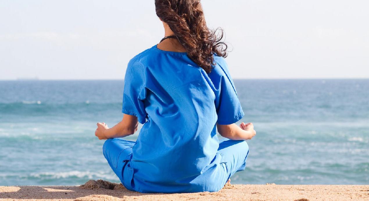 Course Image Diplomado Mindfulness para profesionales de la salud: Desde el autocuidado hasta su aplicación en pacientes